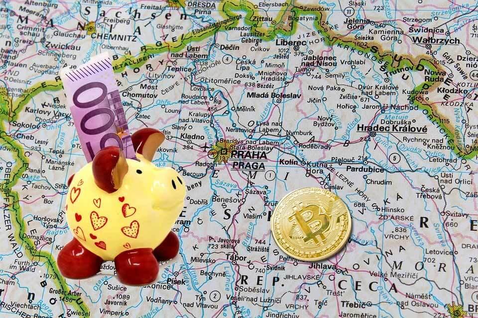En República Checa se enfrentan el Euro y el Bitcoin