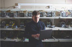 Apple, Facebook y McAfee muestran su confianza en el sector de las criptomonedas